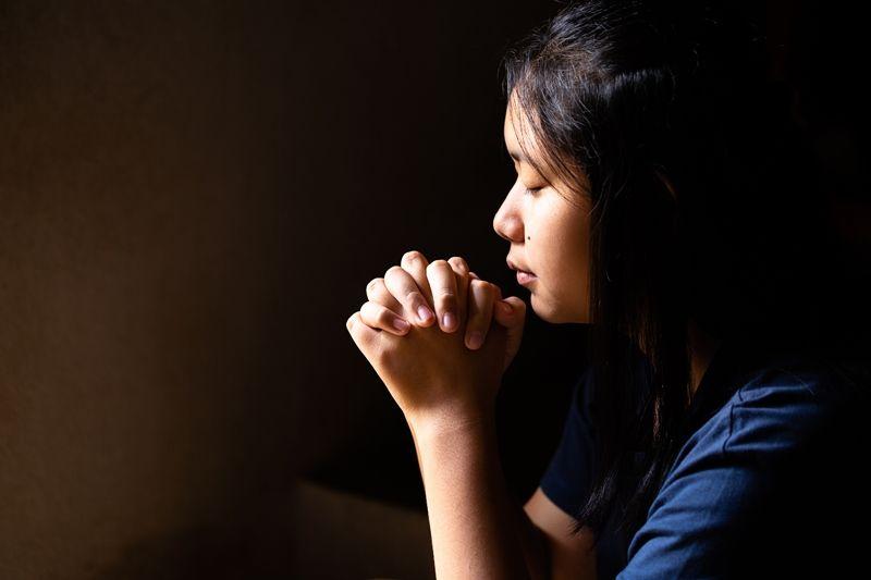 7 Contoh dan Poin Doa Makan dalam Agama Kristen