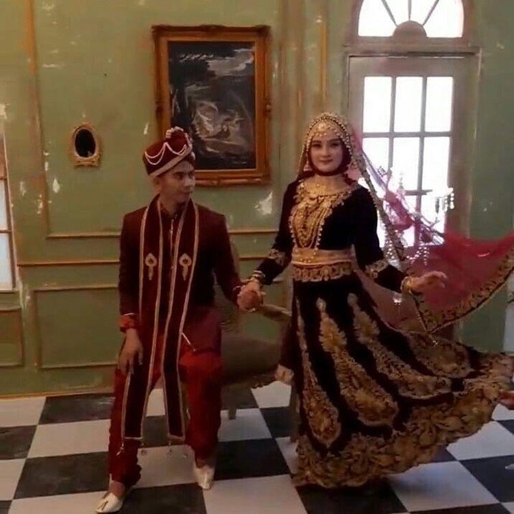 Segera Menikah, Ini 9 Potret Gaya Pacaran Ridho D'Academy dan Syifa