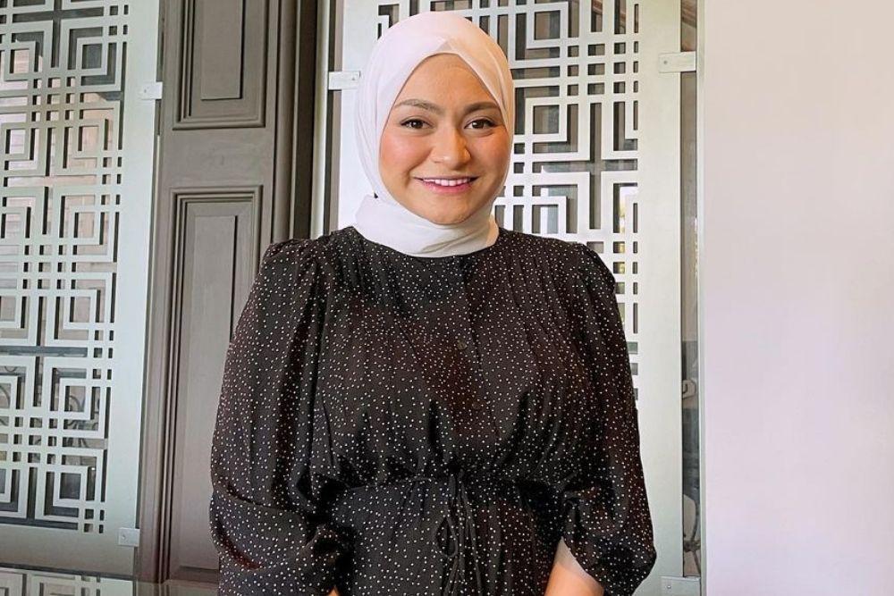 Begini Pesona Artis yang Rela Memeluk Agama Islam karena Ikut Suami
