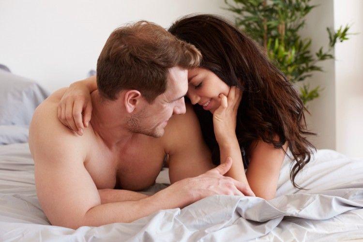7 Cara Berhubungan Intim untuk Pasangan Pemula