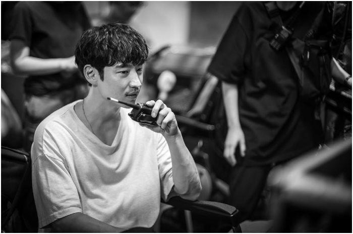 Lee Je Hoon Debut Sebagai Sutradara, Ini Fakta 'Project Unframed'
