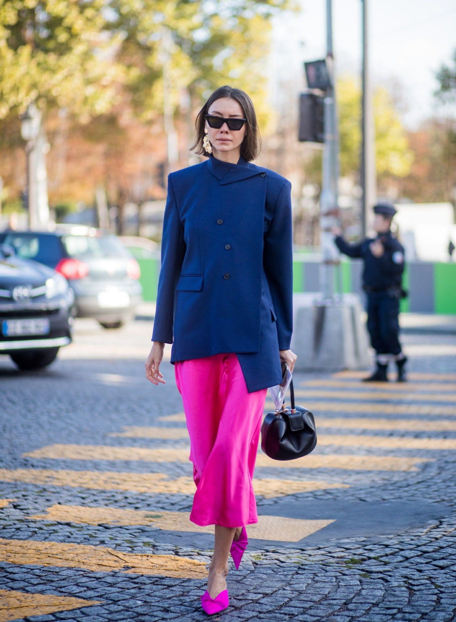 Inspirasi Padu-padan Warna Biru Dongker Terbaik