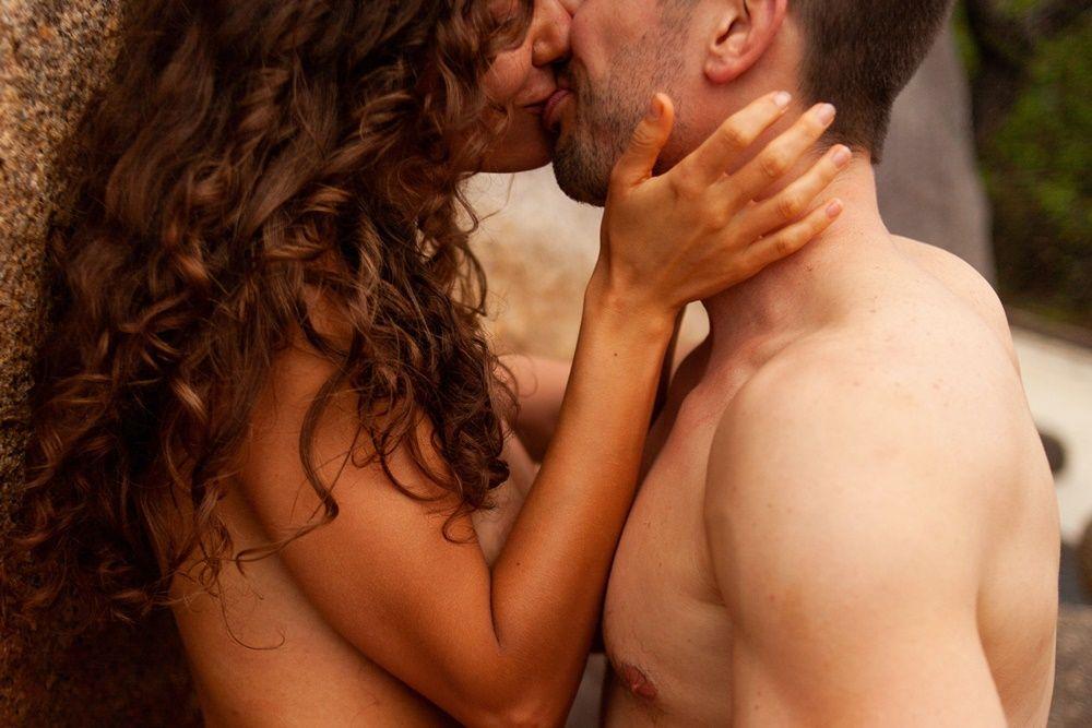 8 Manfaat Payudara Sering Diisap Saat Berhubungan Seks