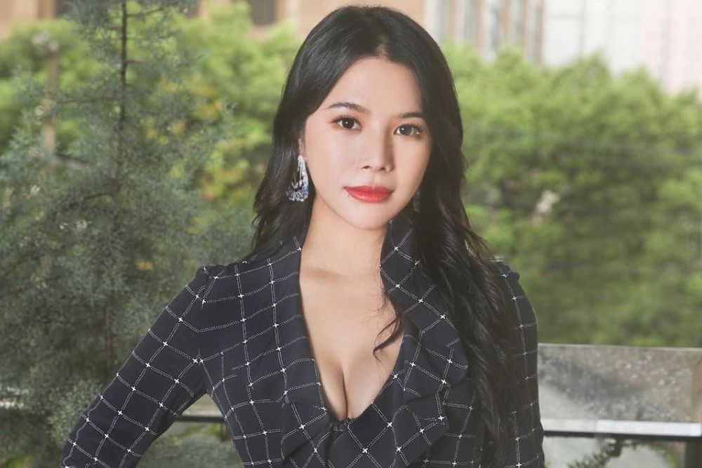 7 Potret Wendy Yu, Crazy Rich Asian Asal Tiongkok yang Memikat