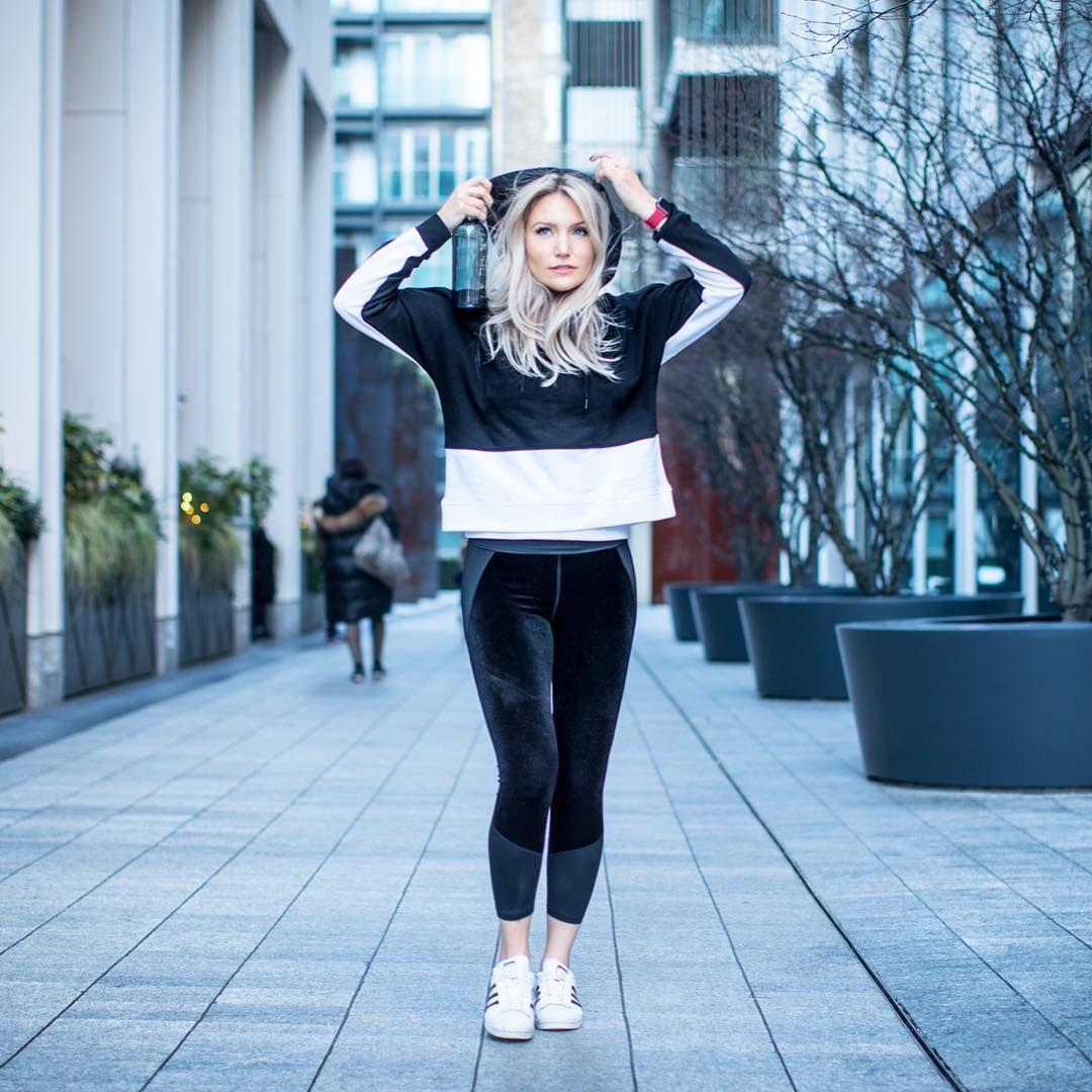 7 Jenis Baju Olahraga Wajib Agar Workout Semakin Semangat!