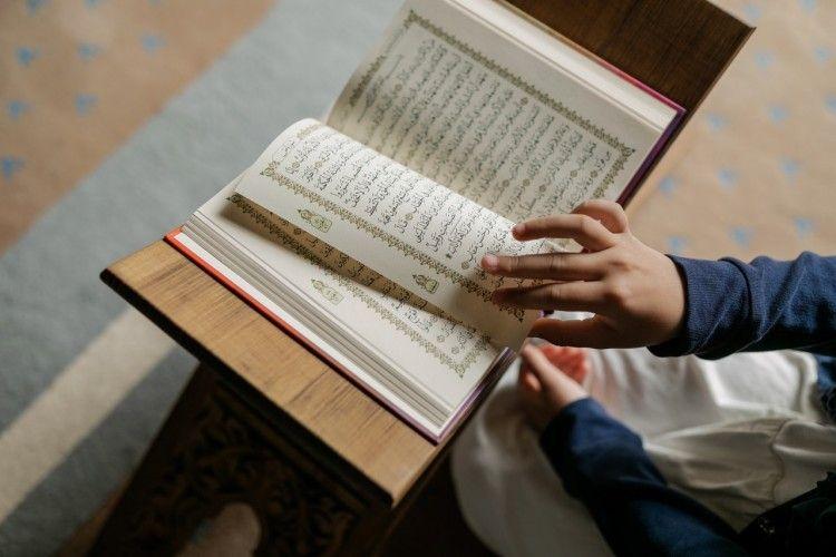 Urutan Surat dalam Alquran Juz 30, Hafalkan dan Dibaca Saat Salat