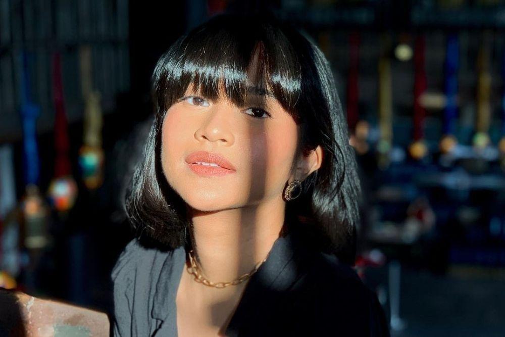 Potret Siti Adira Kania, Putri Ikke Nurjanah yang Raih IPK Tertinggi