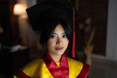 Potret Siti Adira Kania, Putri Ikke Nurjanah Raih IPK Tertinggi