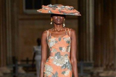 Deretan Koleksi Terbaik Para Desainer London Fashion Week 2021
