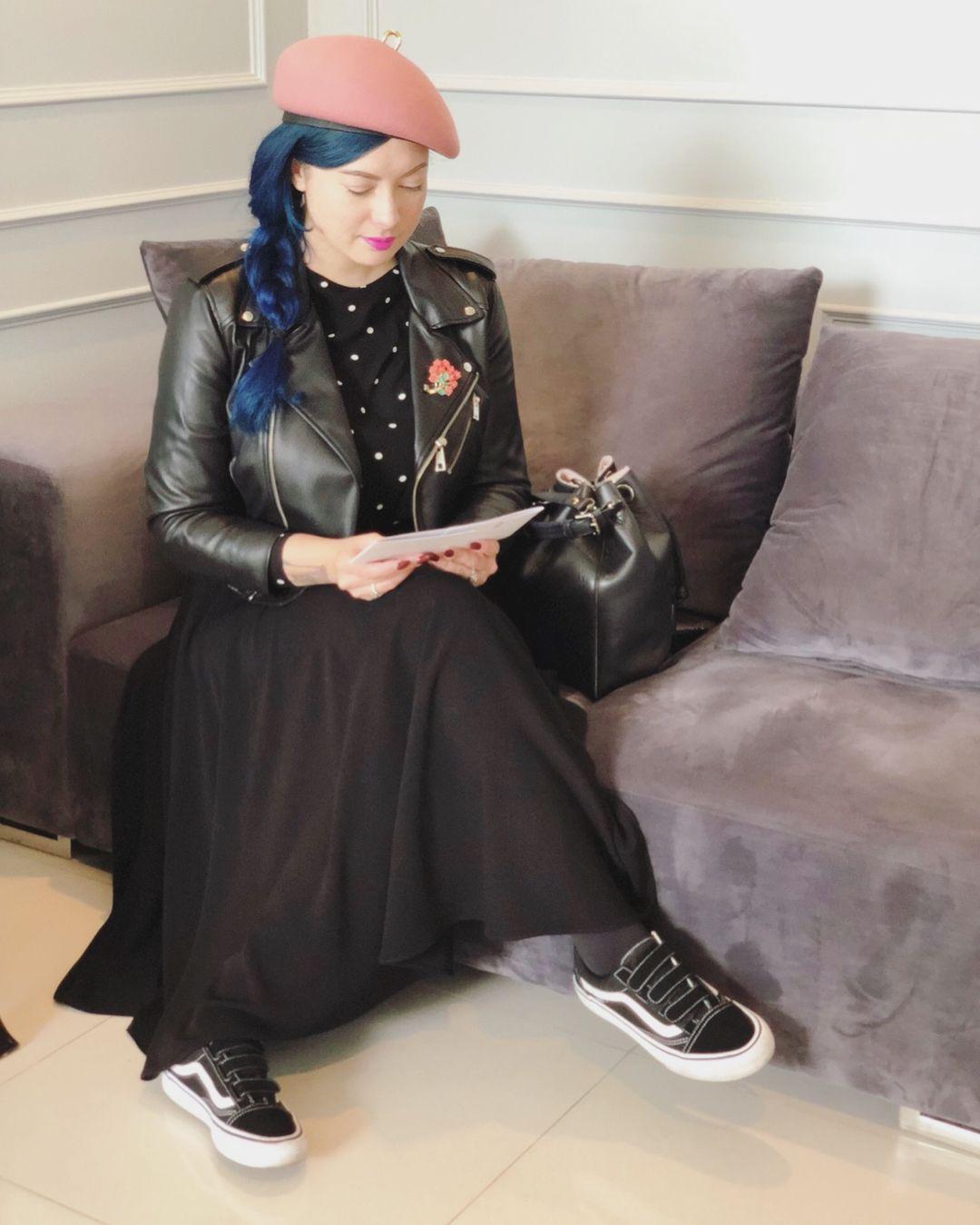 Gaya Claudia Adinda, Istri Derby Romero yang Suka Tampil Vintage