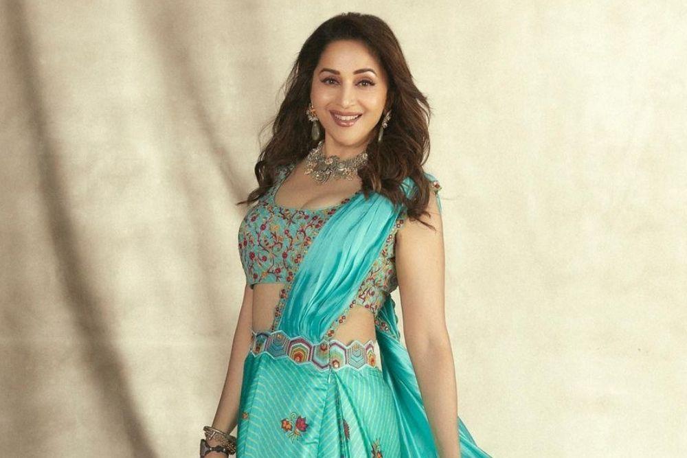 7 Aktris Bollywood yang Dijuluki Hot Mommy