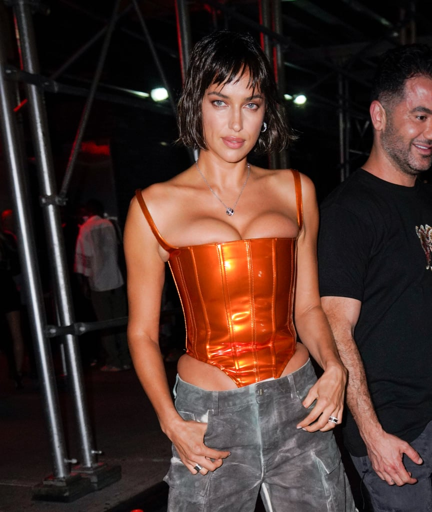 Irina Shayk Pakai Baju Terlalu Ketat di Jalanan, Bikin Salfok