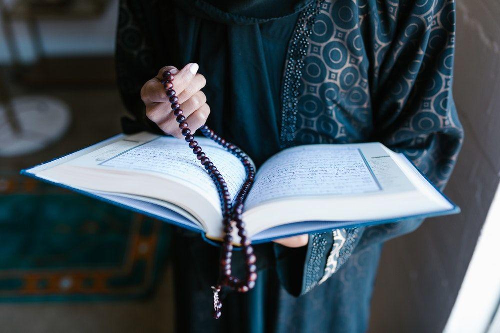 7 Ayat Alquran tentang Hubungan Sesama Manusia Sebagai Makhluk Sosial