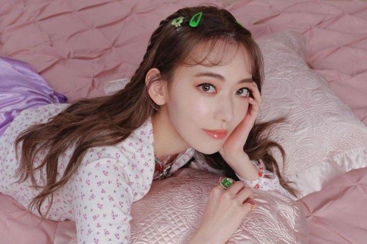 Potret Sakura Miyawaki yang Dikabarkan Bergabung Dengan Agensi BTS