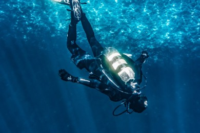 Kisaran Gaji Penyelam Perbaiki Kabel Internet Laut