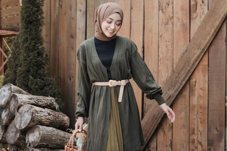 Ide Padu-padan OOTD Hijab dengan Warna Hijau Army