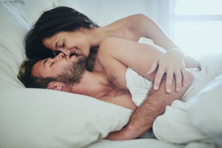 Ini 7 Gaya Ciuman Sebelum Memulai Seks, Bikin Bergairah!