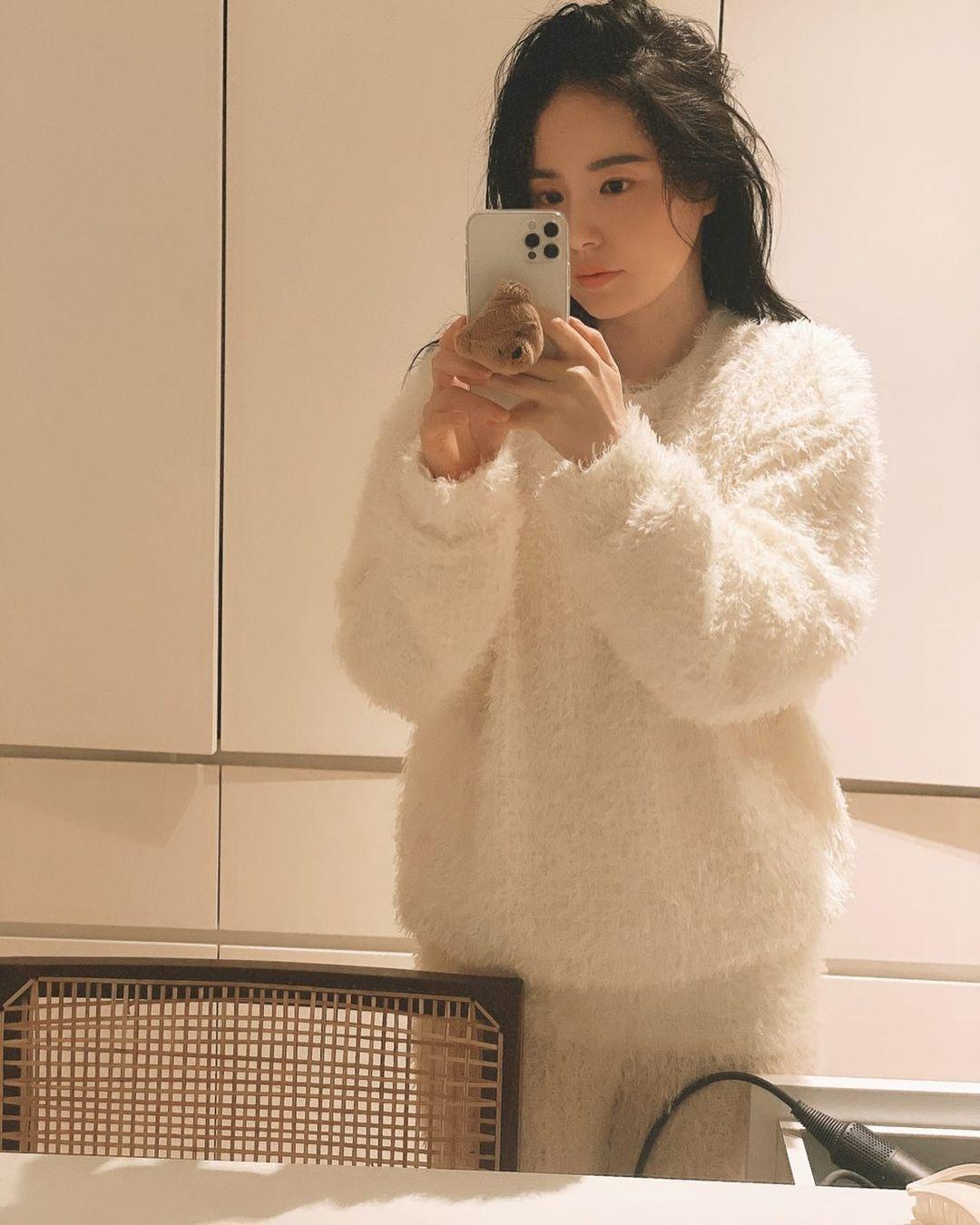 Pesona Min Hyo Rin, Istri Taeyang yang Tengah Hamil Anak Pertama