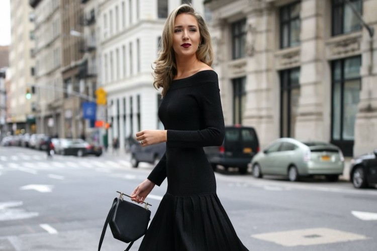 Cara Mix & Match Knit Dress Hitam yang Lebih Fashionable