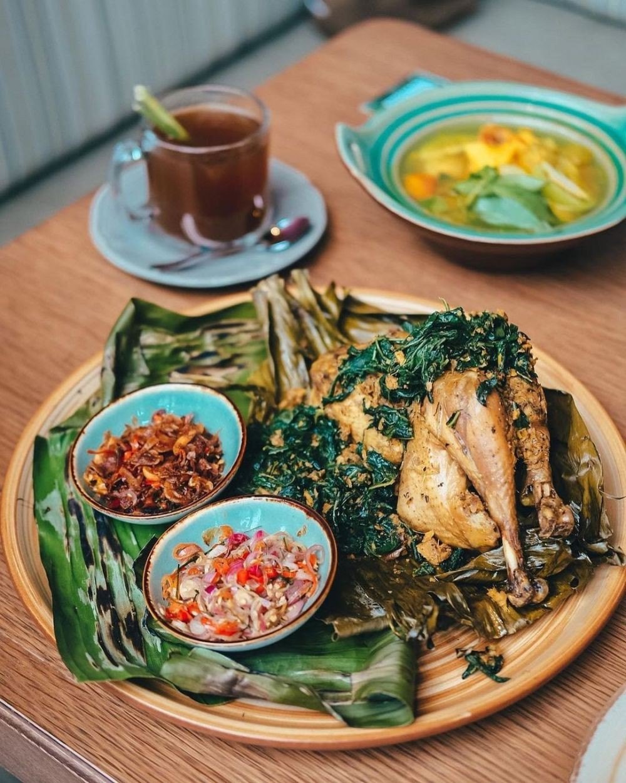 10 Tempat Makan di PIK untuk Keluarga yang Suasananya Homey Abis!