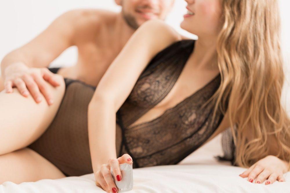 5 Posisi Seks Terbaik untuk Si 'Penurut'