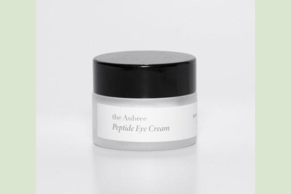 7 Rekomendasi Eye Cream untuk Remaja, Bikin Lembap dan Mencerahkan