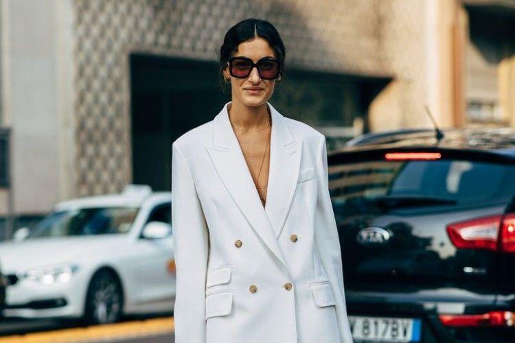 Tips OOTD Simple a La Lady Boss untuk Meeting di Kantor