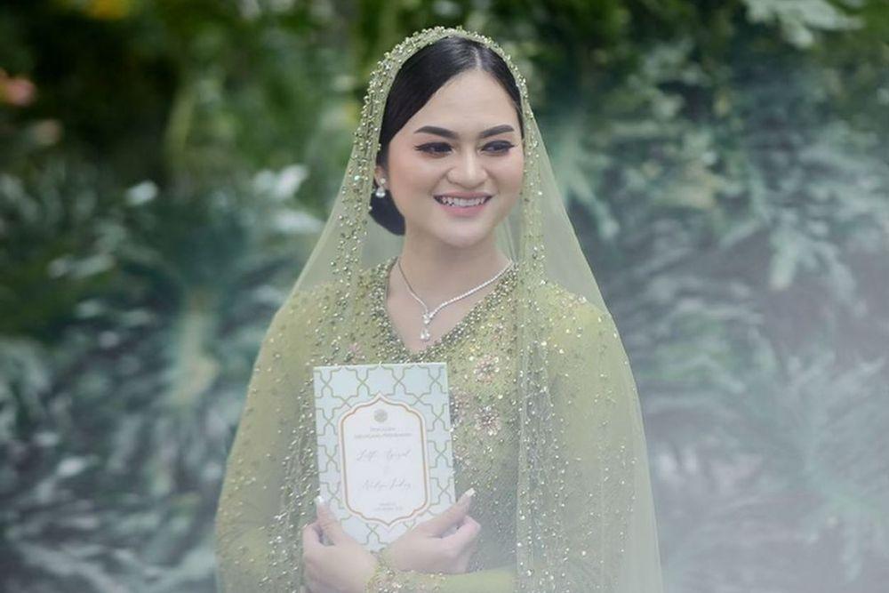 Dari Prewedding Hingga Menikah, Intip Pesona Manis Nadya Indry