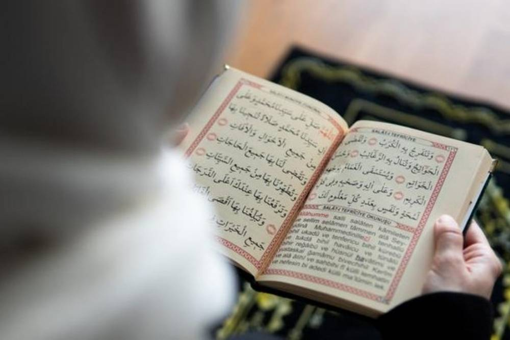 Inilah 10 Ayat Alquran Tentang Sabar dalam Tulisan Arab dan Latin