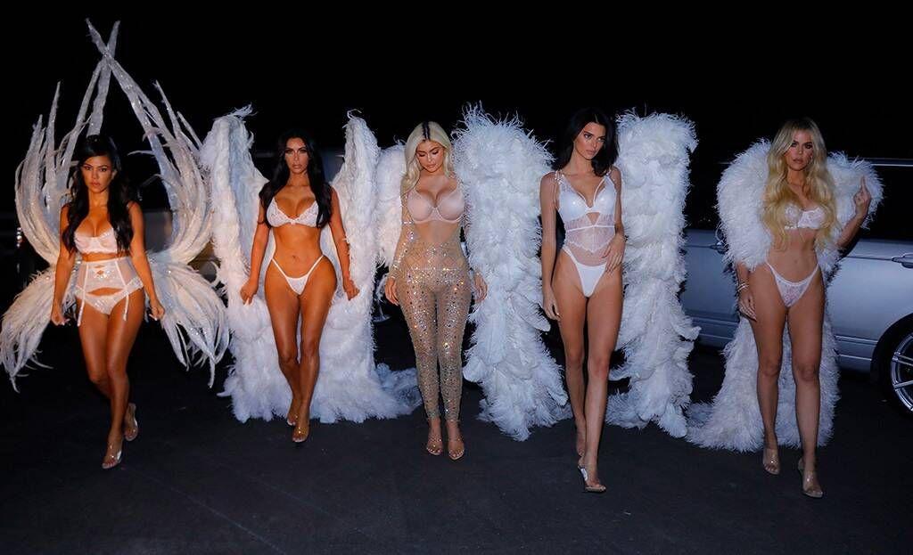 Wow!Kendall Jenner Bocorkan Kostum Seksi untukHalloween!