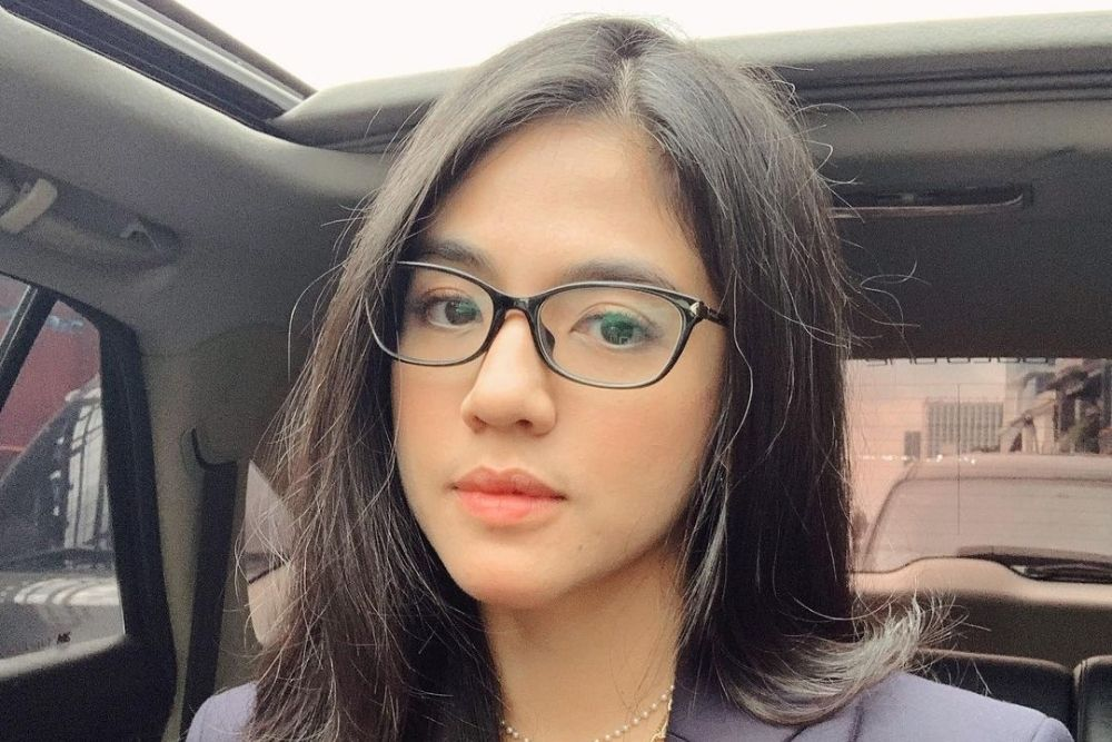 7 Potret Putri Una, DJ Seksi yang Siap Jadi Janda dan Single Mother