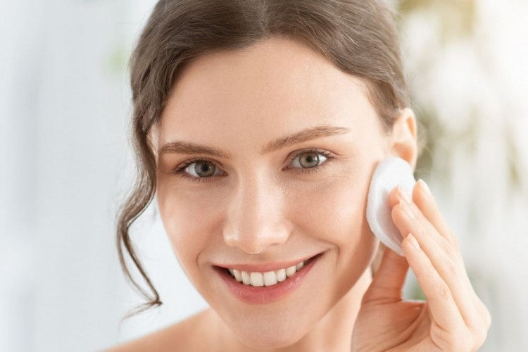 7 Produk Skincare yang Mengandung Salicylic Acid, Ampuh untuk Jerawat