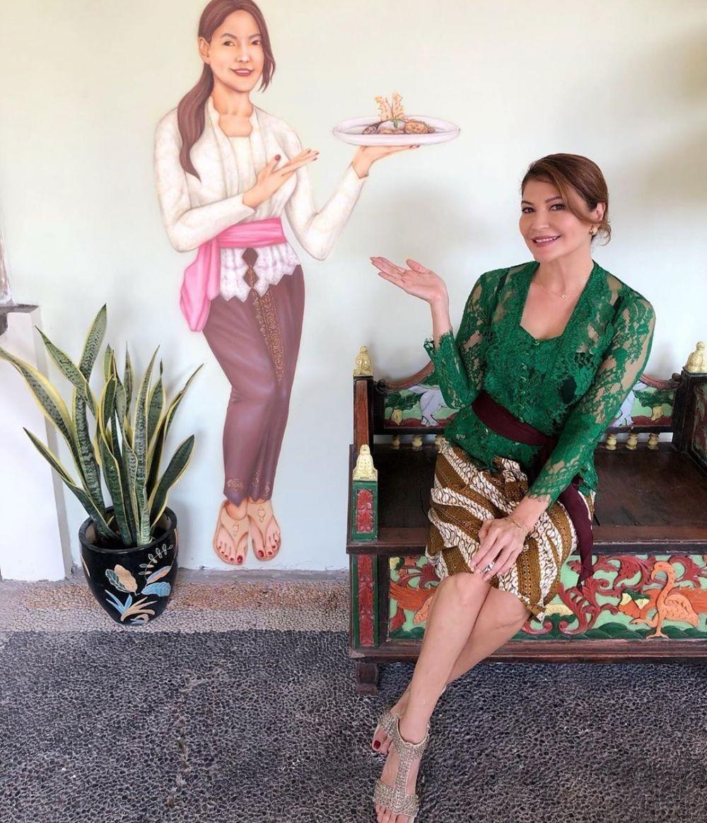 Deretan Gaya TamaraBleszynski Pakai Kebaya Bali, Bikin Terpana!