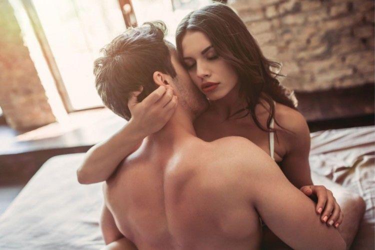 7 Posisi Seks Mengayun, Menantang Tapi Patut Dicoba!