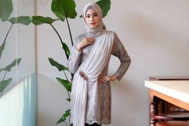 Inspirasi Model Kebaya Muslim Hadiri Pesta Pernikahan