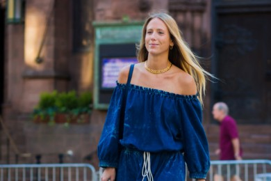7 Model Baju Off-Shoulder Bisa Kamu Jadikan OOTD Berikutnya