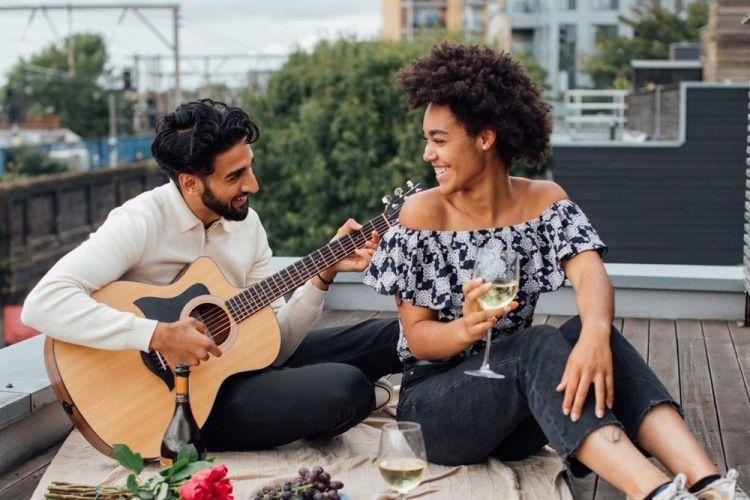 Tips Temukan Gebetan yang Sefrekuensi Lewat Online Dating, Harus Coba!