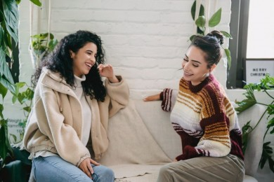 7 Cara Terbaik Menegur Teman Suka Menyinggung Perasaan